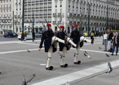 104. Athènes - Les Mollalpagas en cavale (381)