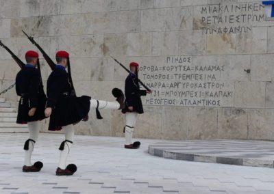 104. Athènes - Les Mollalpagas en cavale (396)