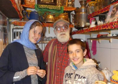 127. Téhéran - Les Mollalpagas en cavale (128)