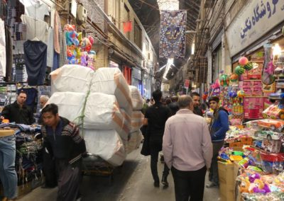 127. Téhéran - Les Mollalpagas en cavale (220)