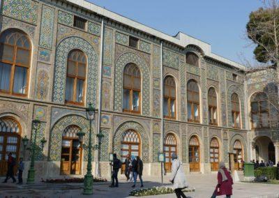 127. Téhéran - Les Mollalpagas en cavale (260)