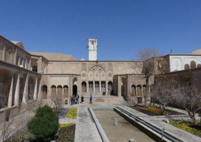 128. Kashan - Les Mollalpagas en cavale (122)