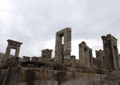137. Persepolis - Les Mollalpagas en cavale (133)
