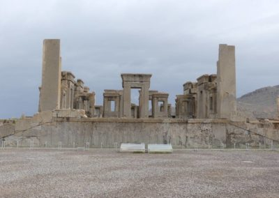 137. Persepolis - Les Mollalpagas en cavale (138)