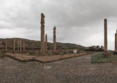 137. Persepolis - Les Mollalpagas en cavale (170)