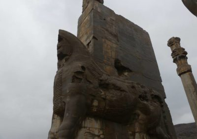137. Persepolis - Les Mollalpagas en cavale (23)