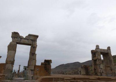 137. Persepolis - Les Mollalpagas en cavale (78)