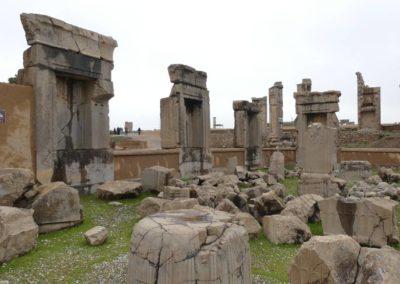 137. Persepolis - Les Mollalpagas en cavale (85)