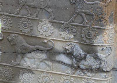 137. Persepolis - Les Mollalpagas en cavale (89)