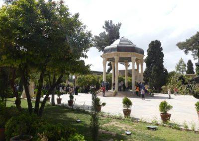 138. Chiraz - Les Mollalpagas en cavale (334)