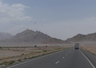 148. route vers Yazd - Les Mollalpagas en cavale (34)