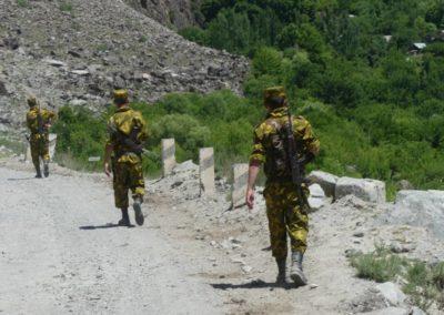 166. M41 de Kalaikum à Khorog - Les Mollalpagas en cavale (118)