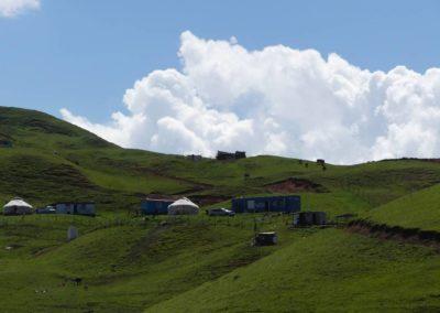 170. Route vers Osh - Les Mollalpagas en cavale (125)