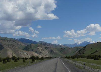170. Route vers Osh - Les Mollalpagas en cavale (55)