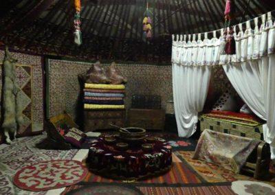 177. Almaty - Les Mollalpagas en cavale (91)